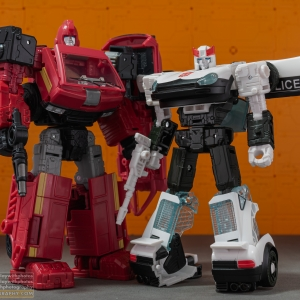 Autobot Alliance Ironhide & Prowl | War For Cybertron: Earthrise | Transformers Generations
