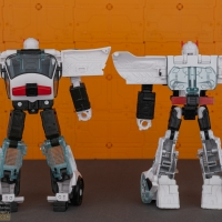 autobot_alliance_prowl_055