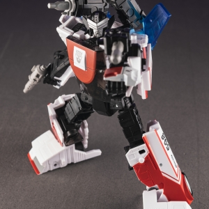 Exhaust | Generations Selects | Transformers Generations