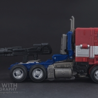 Optimus Prime Studio Series 38 Preview 03