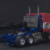 Optimus Prime Studio Series 38 Preview 04