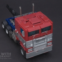 Optimus Prime Studio Series 38 Preview 06