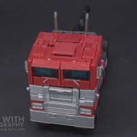 Optimus Prime Studio Series 38 Preview 07