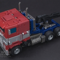 Optimus Prime Studio Series 38 Preview 08