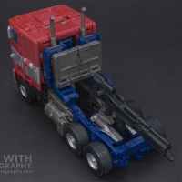 Optimus Prime Studio Series 38 Preview 10