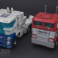 Optimus Prime Studio Series 38 Preview 11