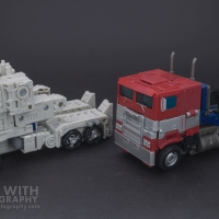 Optimus Prime Studio Series 38 Preview 12