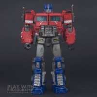 Optimus Prime Studio Series 38 Preview 15