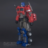 Optimus Prime Studio Series 38 Preview 16