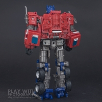 Optimus Prime Studio Series 38 Preview 17