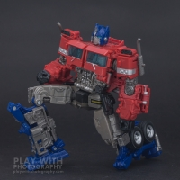 Optimus Prime Studio Series 38 Preview 18