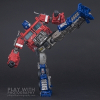 Optimus Prime Studio Series 38 Preview 20