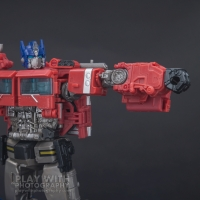 Optimus Prime Studio Series 38 Preview 22