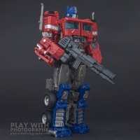 Optimus Prime Studio Series 38 Preview 24