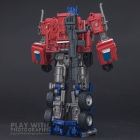 Optimus Prime Studio Series 38 Preview 25