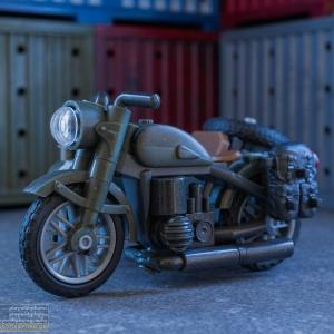 mcx_sidecar_pursuit_001