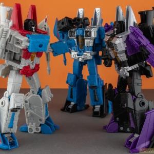 Starscream, Skywarp, Thundercracker: The Seekers | War For Cybertron: Earthrise | Transformers Generations