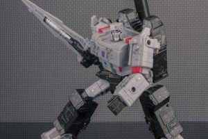 GALLERY: Transformers Generations: Siege – Voyager Megatron (with review!)