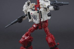 GALLERY: Transformers Siege Sixgun – With Review!